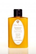 Atstatantis šampūnas su sėmenų ir taukmedžio sviestu